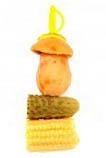 Канапе с маринованными грибами, огурцом и кукурузой