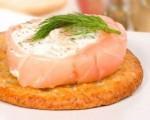 Канапе с лососем и крем-сыром
