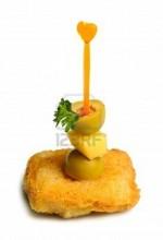 Канапе с курицей, сыром, оливкой